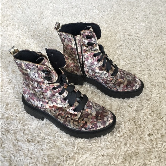 Shoes - Velvet patterned combat boots